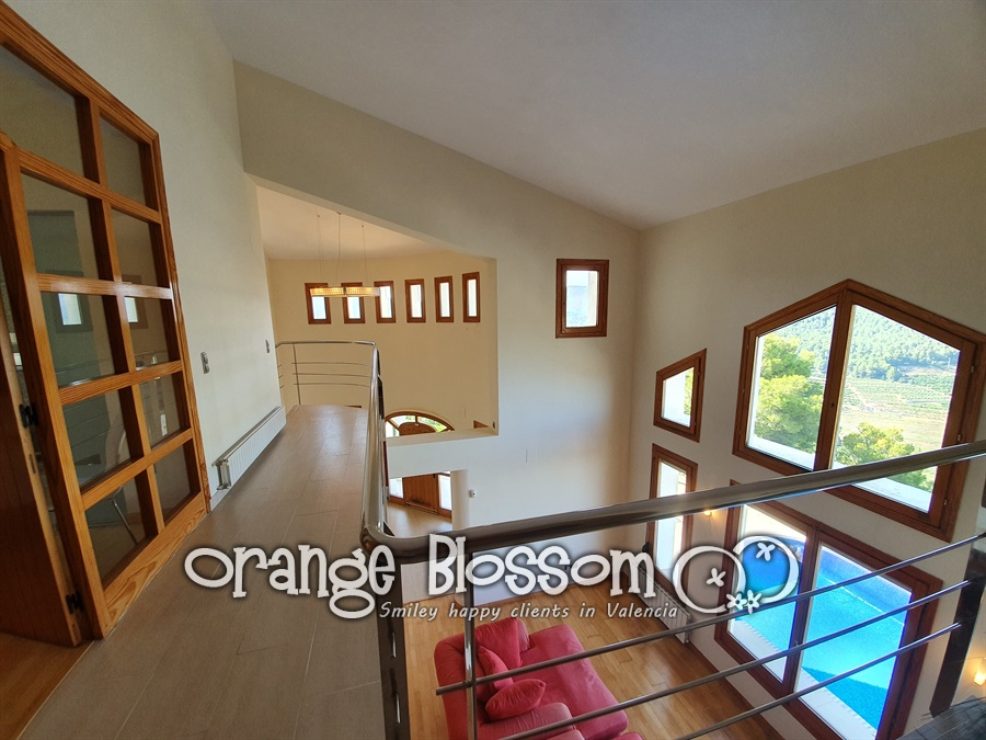 Villa for sale in Ador