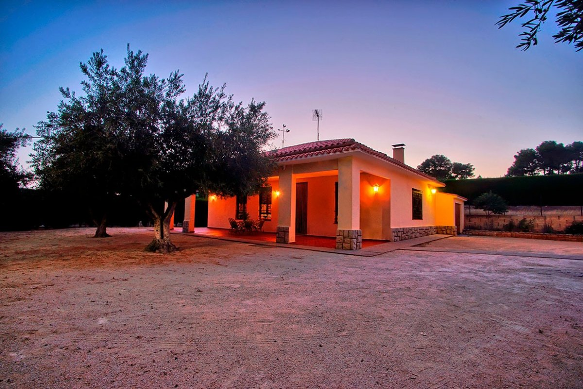Villa for sale in Ontinyent