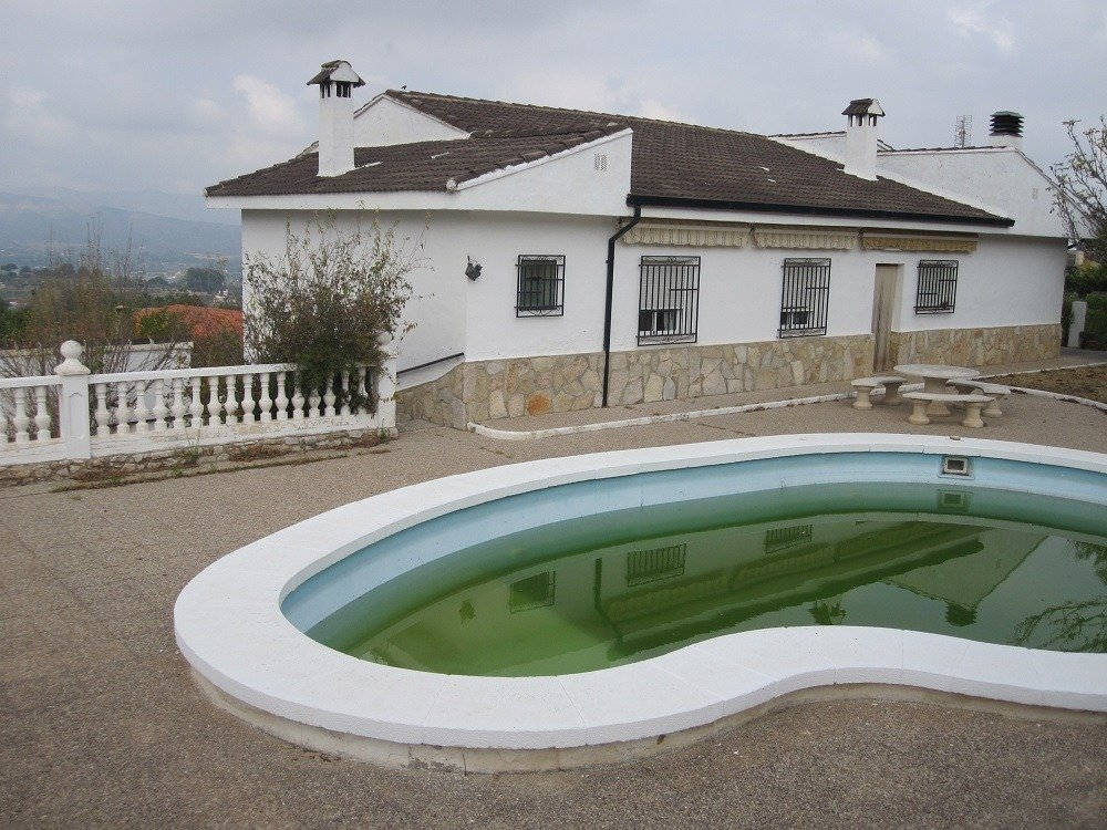 Villa for sale in Agullent